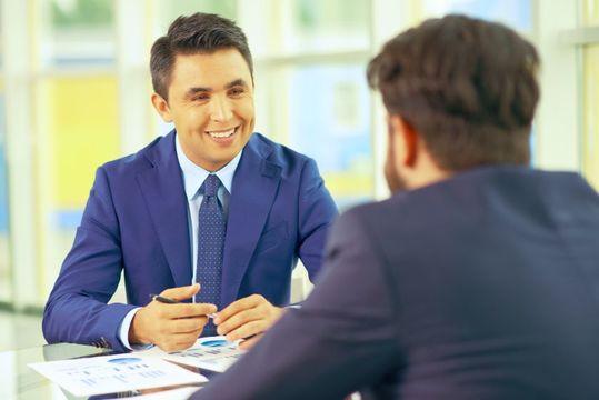 【アクセンチュアの年収】初任給や職位別の給料を口コミと共にご紹介